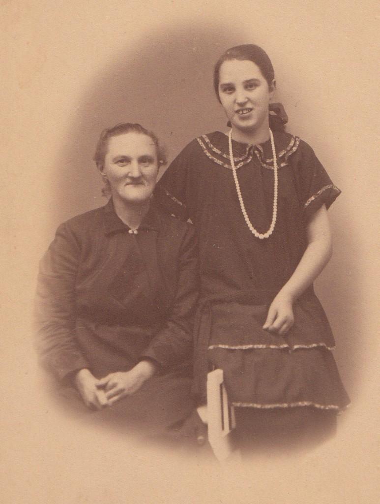 Thyra og Agnes Mejer